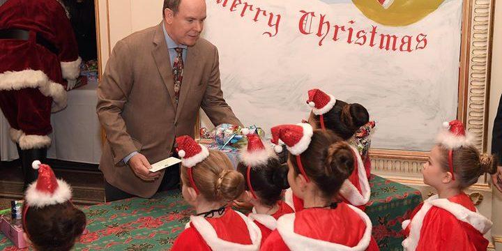 El principe Alberto De Monaco y su sobrino Louis Ducruet Navidad 2018 48391121_2249330538635655_2436374869294710784_o-720x360